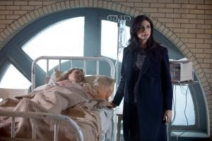 GOTHAM: L-R:  Guest star Kristen Hager and Morena Baccarin in the ÒWrath of the Villains: A Dead Man Feels No ColdÓ episode of GOTHAM airing Monday, March 7 (8:00-9:01 PM ET/PT) on FOX. ©2016 Fox Broadcasting Co. Cr: FOX.