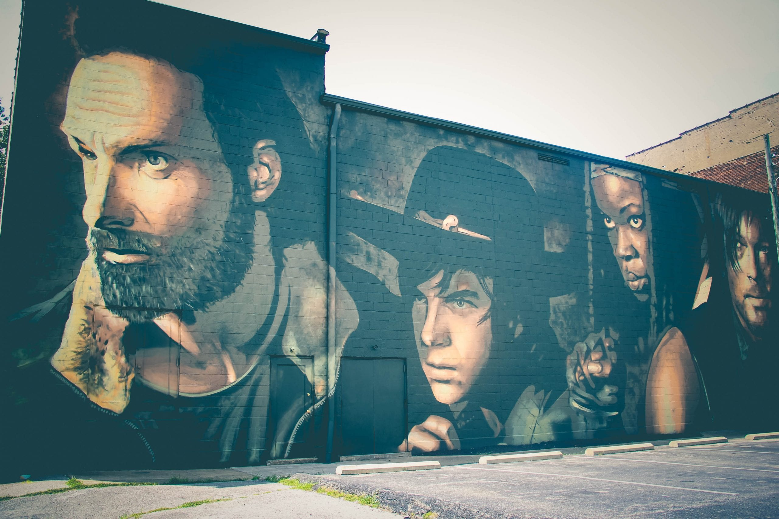 Cynthiana kentucky hosts an incredible walking dead mural for Mural walking dead