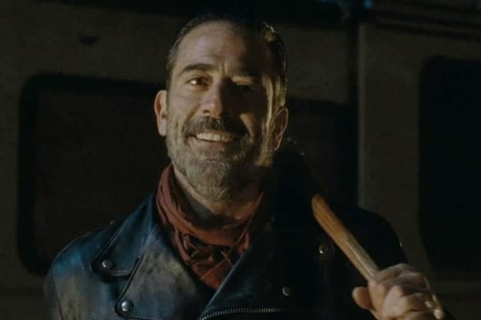 04-jeffrey-dean-morgan-negan-w529-h352
