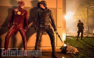 "The Flash Season 3, Episode 8 - ""Invasion"" (L-R) Grant Gustin as The Flash, Stephen Amell as Green Arrow and David Ramsey as John Diggle"