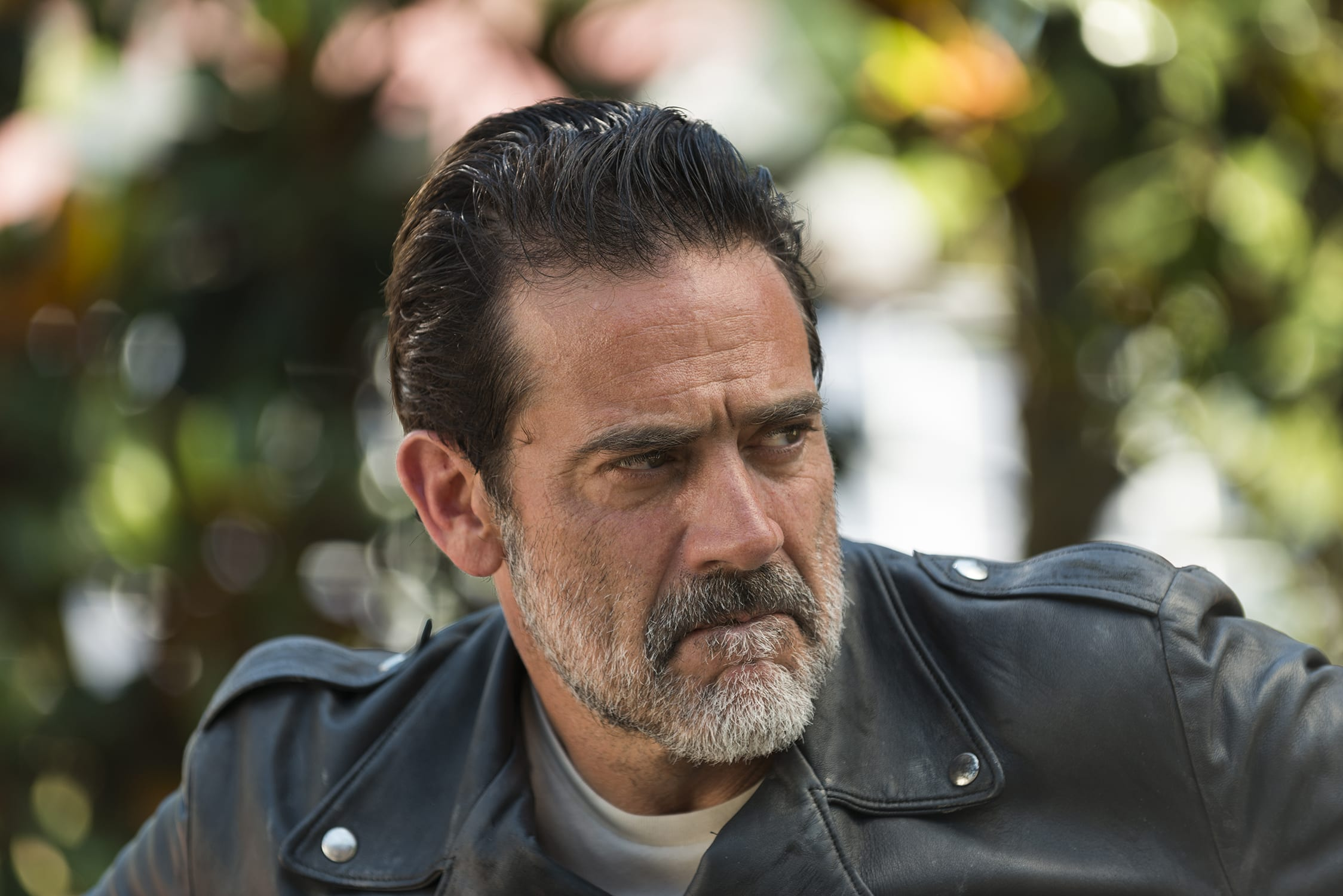 walking-dead-704-jeffrey-dean-morgan-negan-01