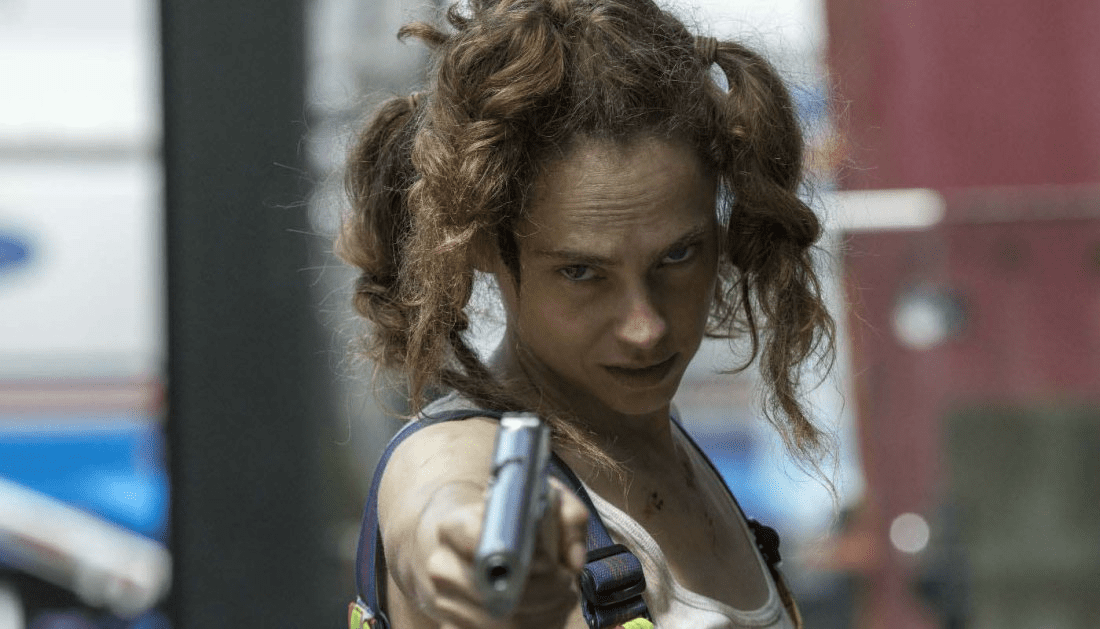 fan fest exclusive fiona dourif on dirk gently and why