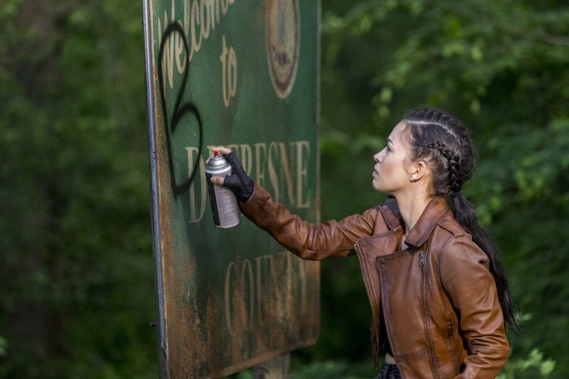 Christian Serratos as Rosita Espinosa - The Walking Dead _ Season 9, Episode 1 -