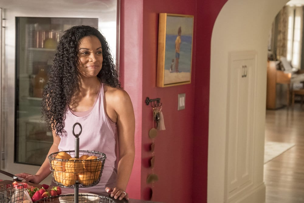 """THIS IS US -- """"Ave Maria"""" Episode 301 -- Pictured: Susan Kelechi Watson as Beth -- (Photo by: Ron Batzdorff/NBC)"""