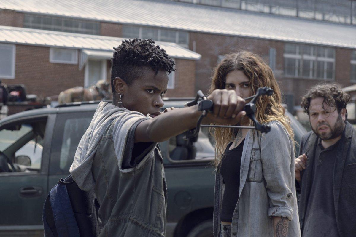 Angel Theory as Kelly, Nadia Hilker as Magna, Dan Folger as Luke- The Walking Dead _ Season 9, Episode 7 -