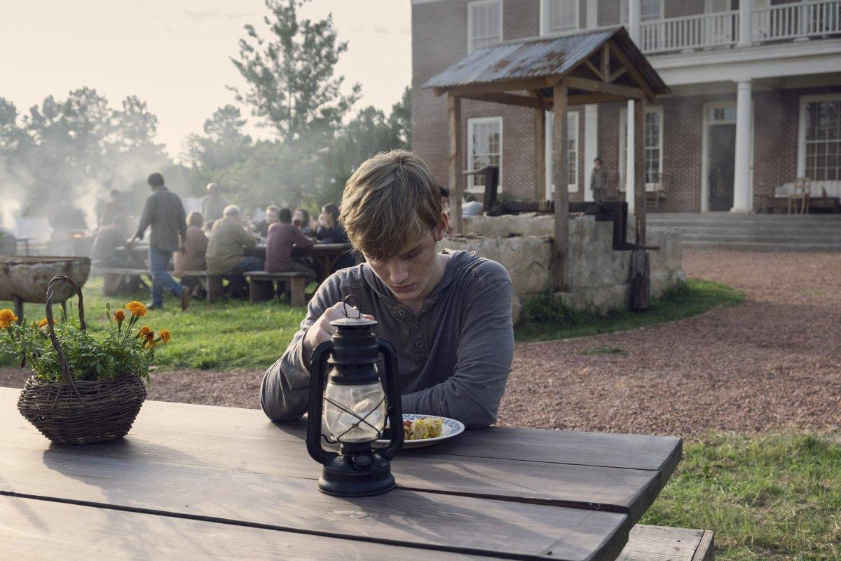 Matt Lintz as Henry - The Walking Dead _ Season 9, Episode 8 -