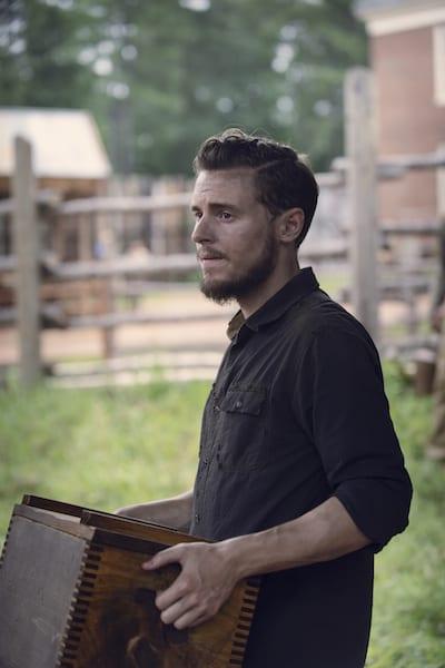 Callan McAuliffe as Alden- The Walking Dead _ Season 9, Episode 8 -