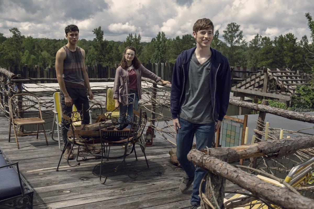 Joe Ando-Hirsh as Rodney, Kelley Mack as Addy, Jackson Pace as Gage- The Walking Dead _ Season 9, Episode 8 -