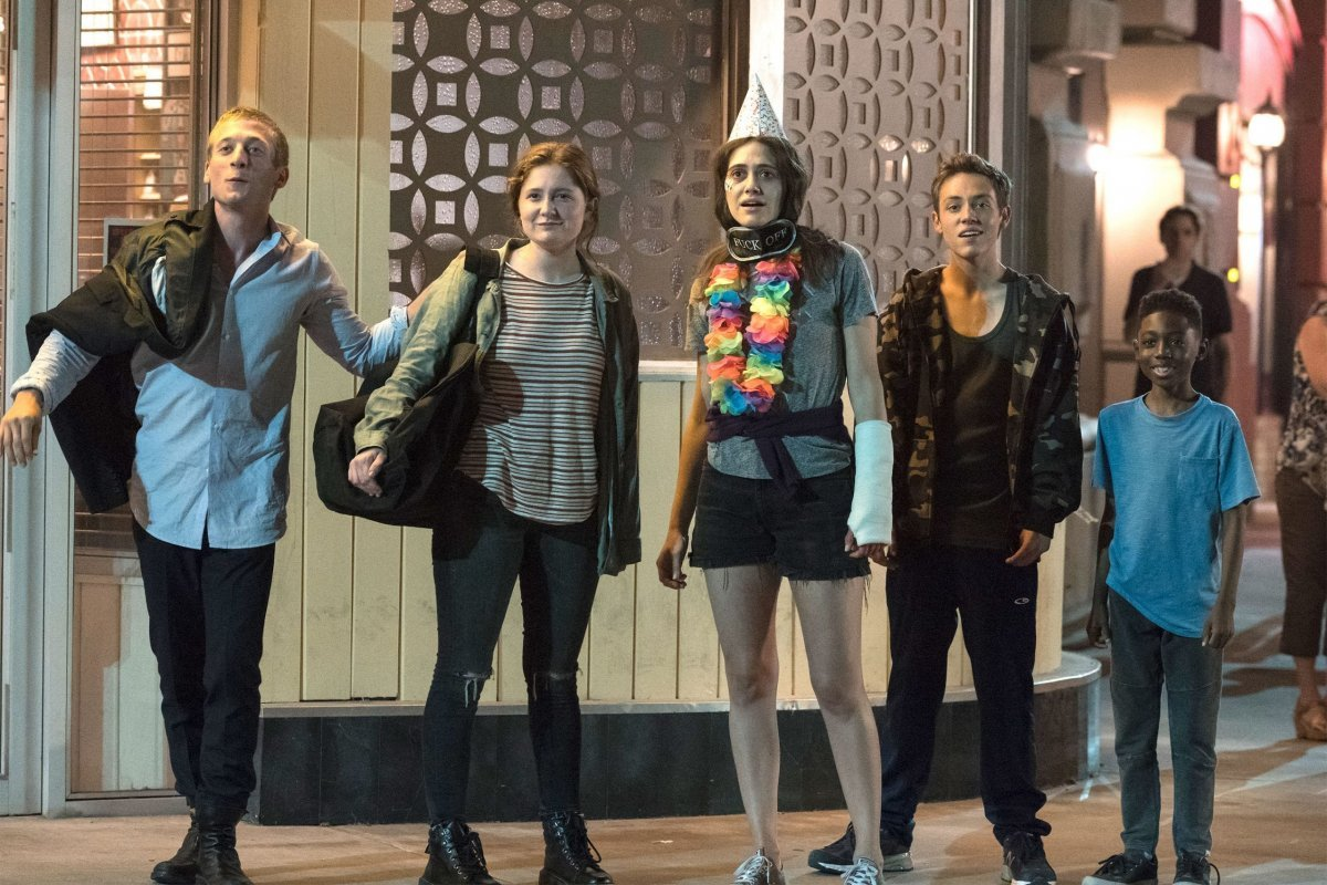 """Jeremy Allen White as Lip Gallagher, Emma Kenney as Debbie Gallagher, Emmy Rossum as Fiona Gallagher, Ethan Cutkosky as Carl Gallagher and Christian Isaiah as Liam Gallagher in SHAMELESS (Season 9, Episode 07, """"Down Like the Titanic""""). -"""